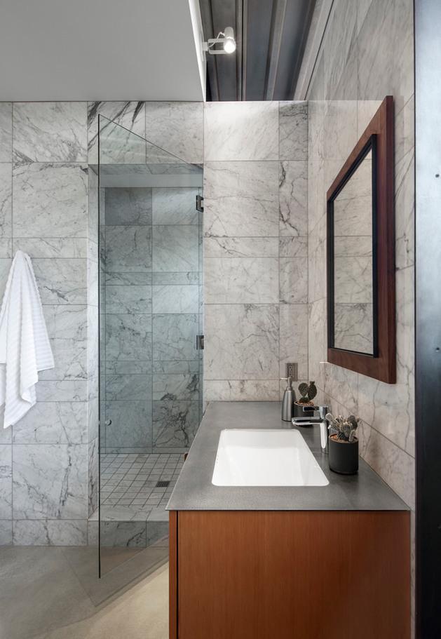 horse-barn-turned-into-open-guest-house-12-bathroom.jpg