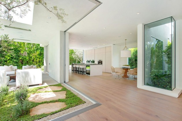 house-with-multilevel-decks-surrounded-by-gardens-30-window-walls.jpg