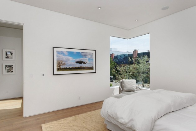 house-with-multilevel-decks-surrounded-by-gardens-46-bedroom-corner-window.jpg