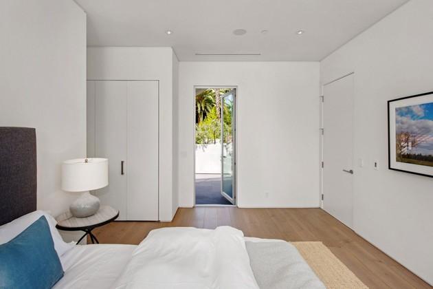 house-with-multilevel-decks-surrounded-by-gardens-48-deck-door.jpg