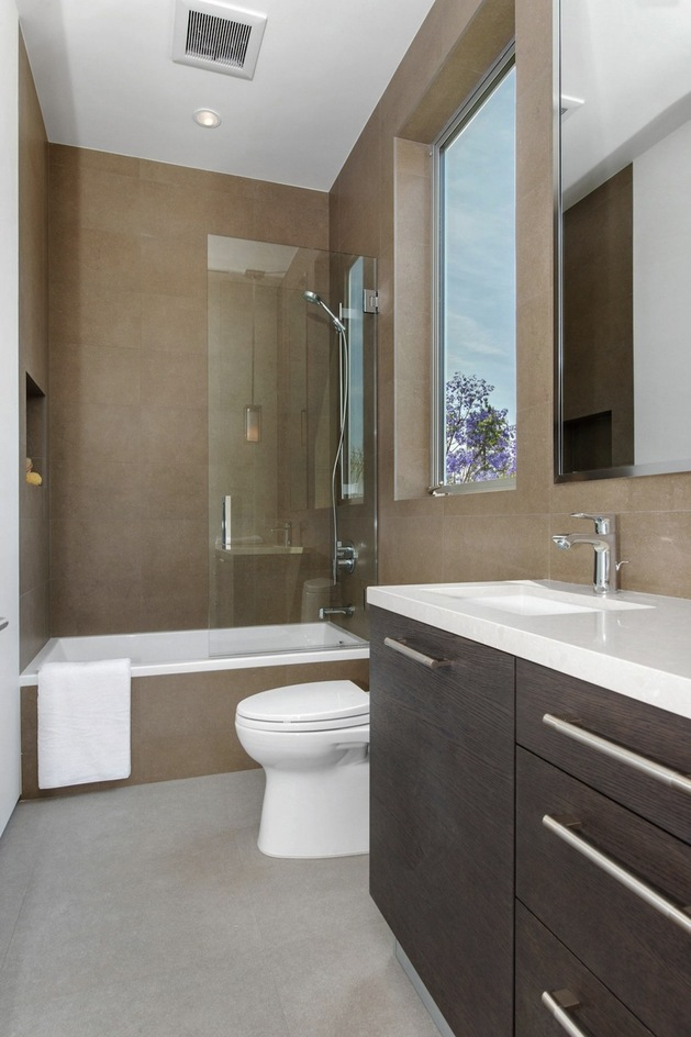 house-with-multilevel-decks-surrounded-by-gardens-51-small-bathroom.jpg
