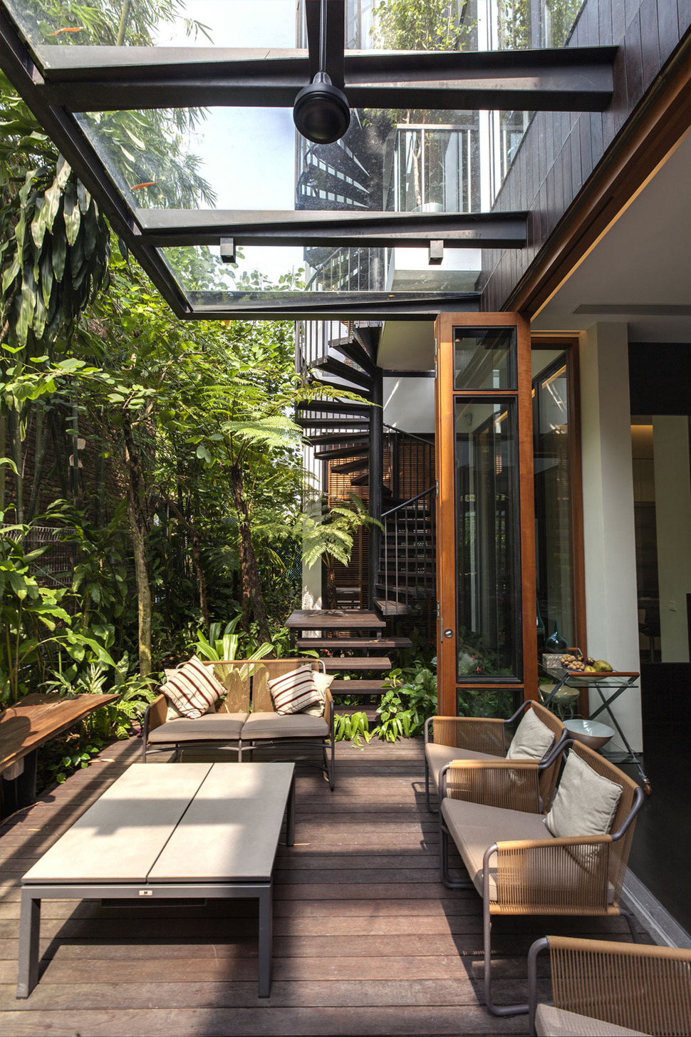 Outdoor Roof Lush Gardens And Peekaboo Roof Pool Define Contemporary Home