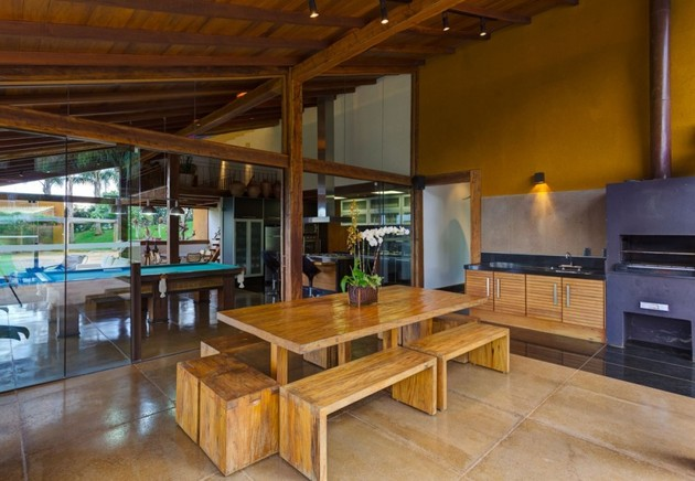 matching-tropial-vacation-houses-with-modern-details-7-picnic-table.jpg