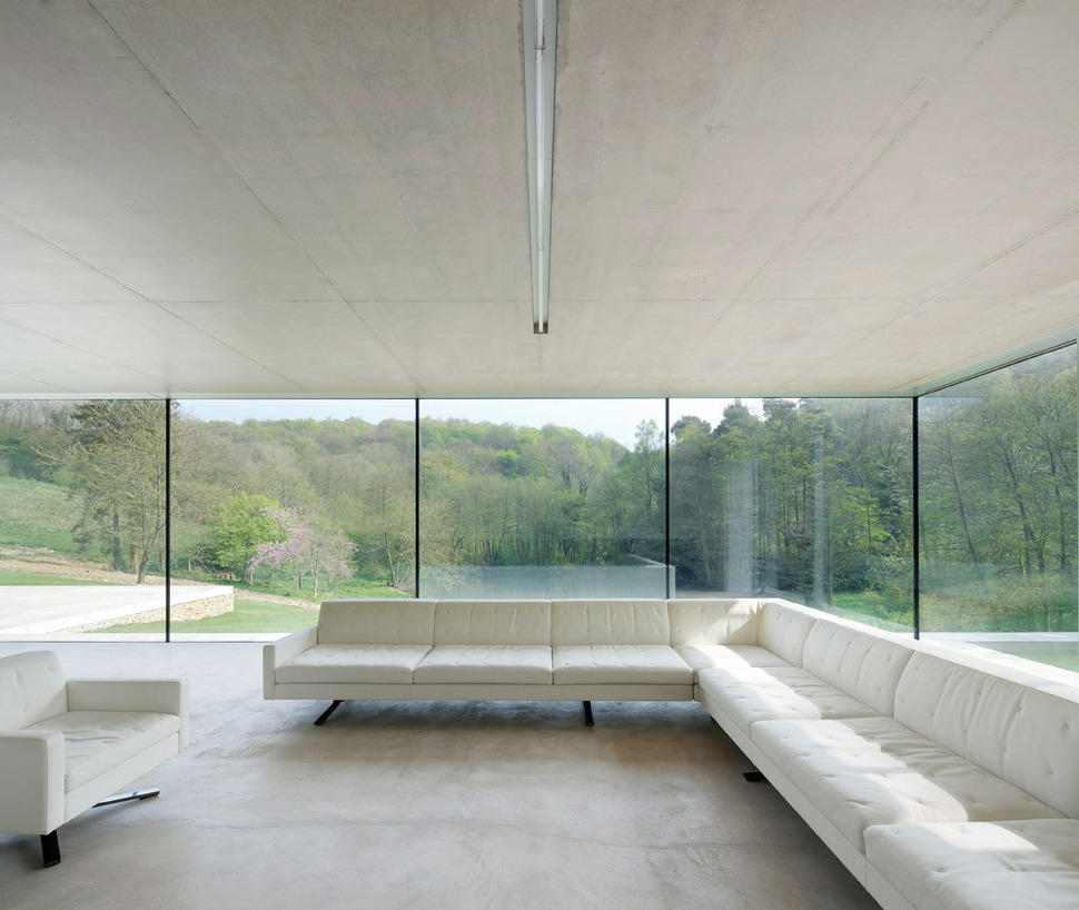 View In Gallery Minimal White Extension To Traditional British Home 15