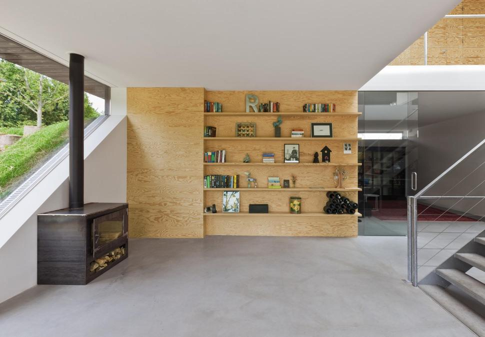 View In Gallery Minimalist Home Uses Pine Ply Design Elements 9  Part 74