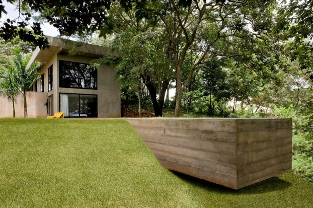 modern house made of concrete boxes 12 thumb 630xauto 36399 Modern House Made of Concrete Boxes