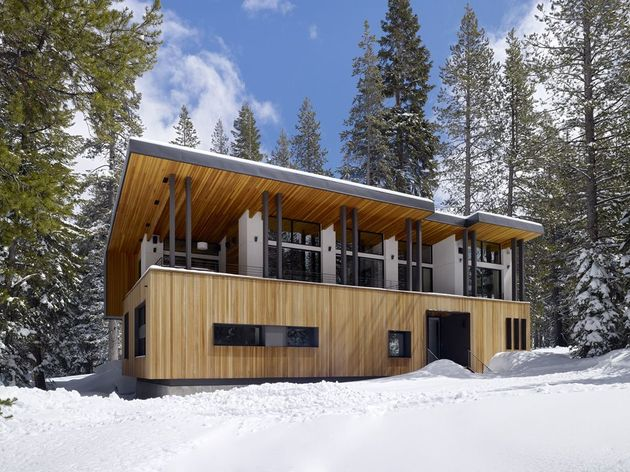 modern-mountain-home-railroad-avalanche-shed-design-muse-17-balcony.jpg