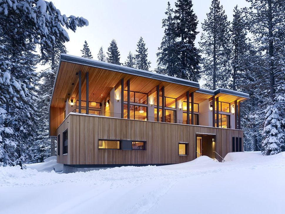View In Gallery Modern Mountain Home Railroad Avalanche Shed Design Muse 2 Front Thumb 630xauto 36509