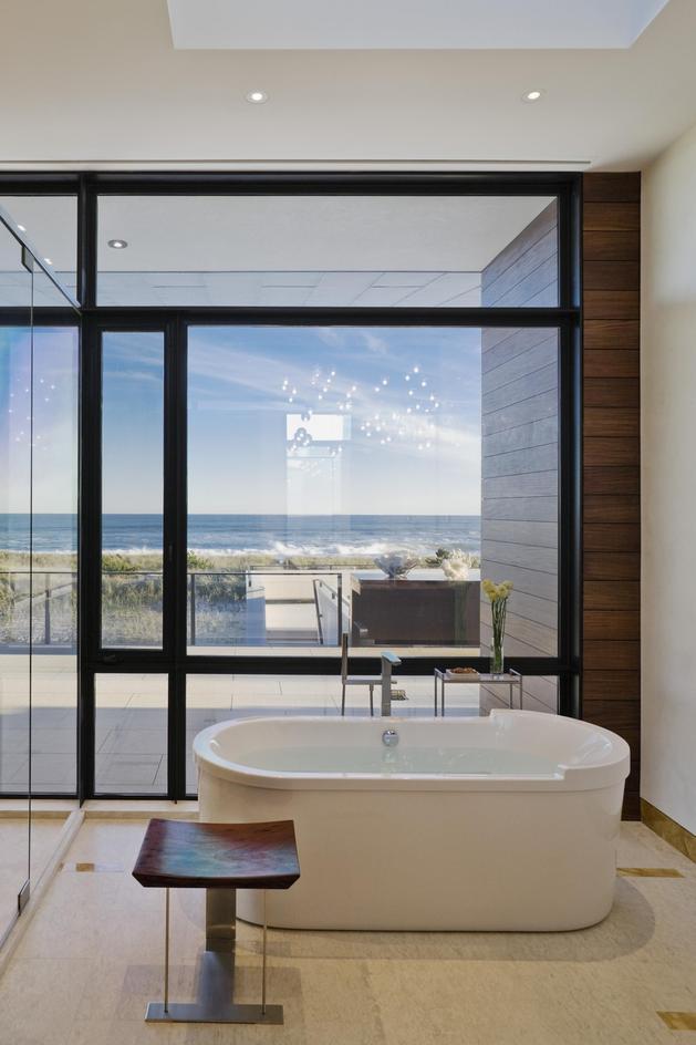 oceanside-home-teak-walls-pool-rooftop-fireplace-11-ensuite.jpg