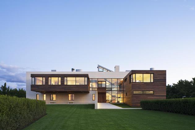 oceanside-home-teak-walls-pool-rooftop-fireplace-3-front.jpg