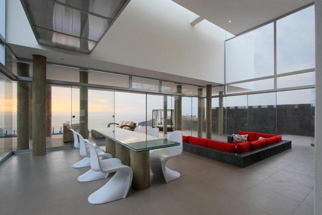 stunning-ultramodern-beach-house-with-glass-walls-12-living-space-front.jpg