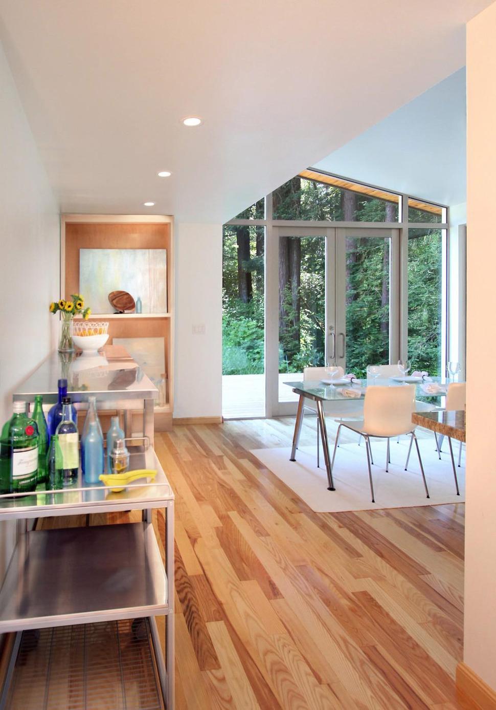 Lovely Summer House Design