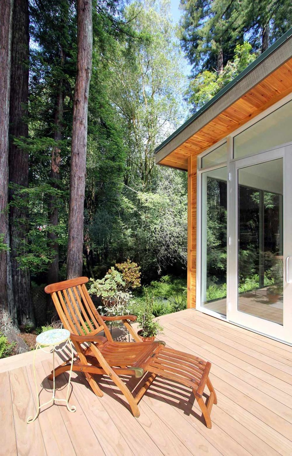 Lovely Summer House Design