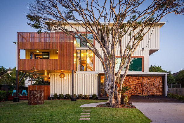 artsy 3 storey home built 31  shipping containers 1 exterior thumb 630xauto 38053 Artsy 3 Storey Home Built from 31 Shipping Containers