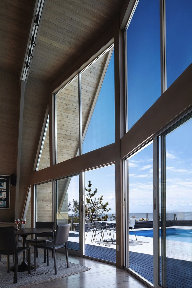 beachfront-a-frame-with-wide-open-interior-13-windows.jpg