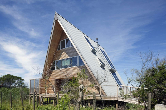 beachfront-a-frame-with-wide-open-interior-4-rear.jpg