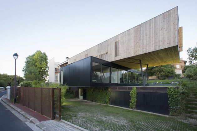 cantilevered french house design in wood and glass 2 thumb 630xauto 38259 Contemporary Cantilever House Design by Paris Architects