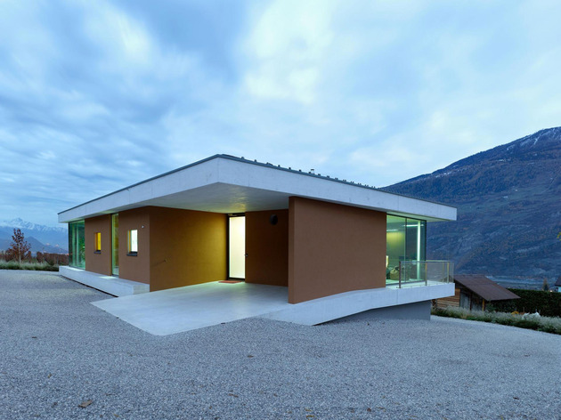 concrete-homesurrounded-vineyard-shades-brown-7-entry.jpg