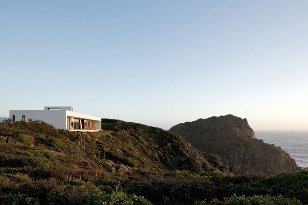 contemporary-clifftop-house-with-spectacular-views-4.jpg