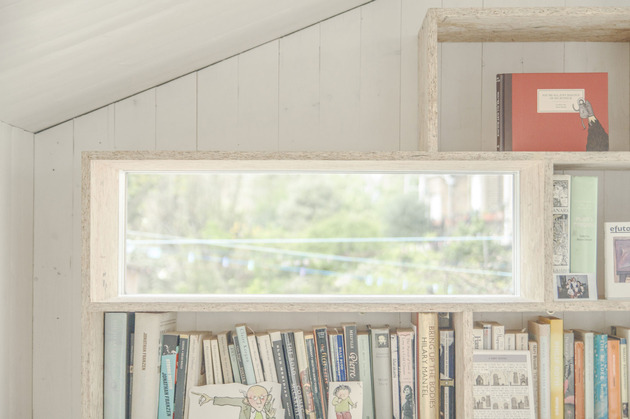 contemporary-writing-shed-hidden-in-urban-environment-12-shelf-window.jpg