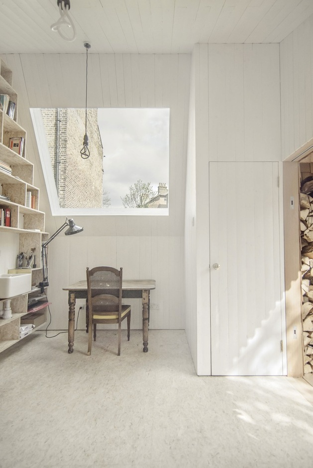 contemporary-writing-shed-hidden-in-urban-environment-8-desk-wall.jpg