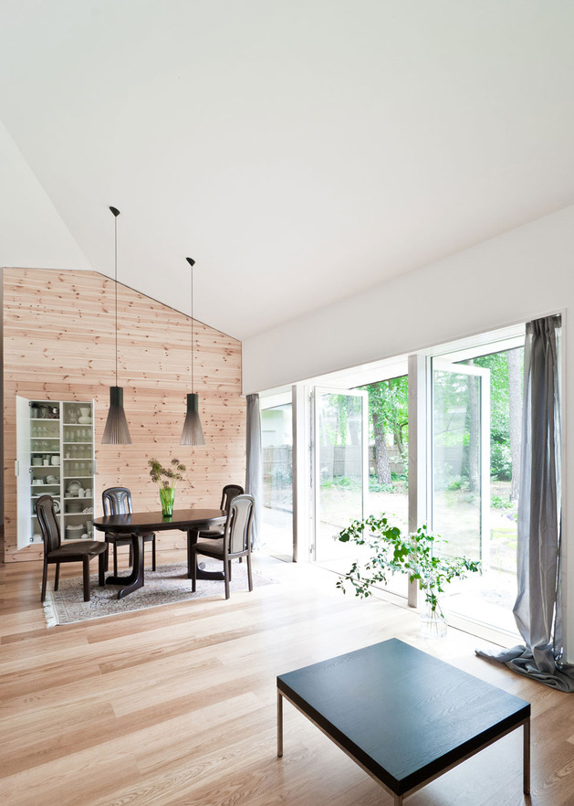 Cozy Asymmetrical Home With Wood Variety