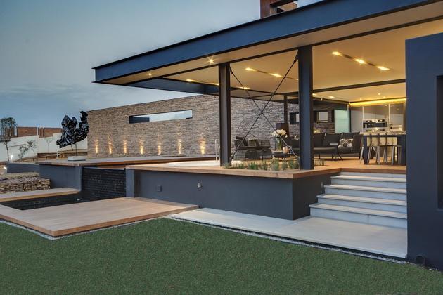 geometric-concrete-steel-home-stone-water-elements-15-pool.jpg