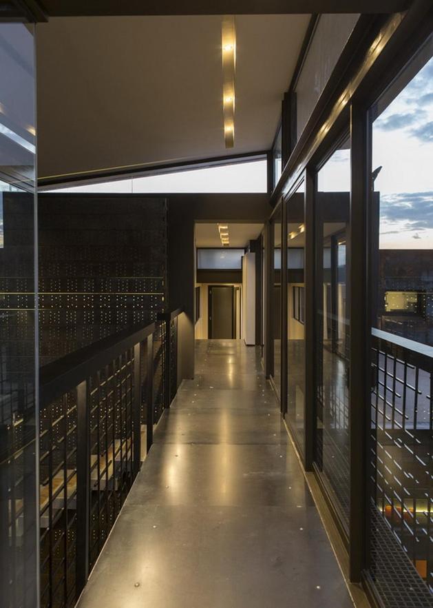 geometric-concrete-steel-home-stone-water-elements-6-walkway.jpg