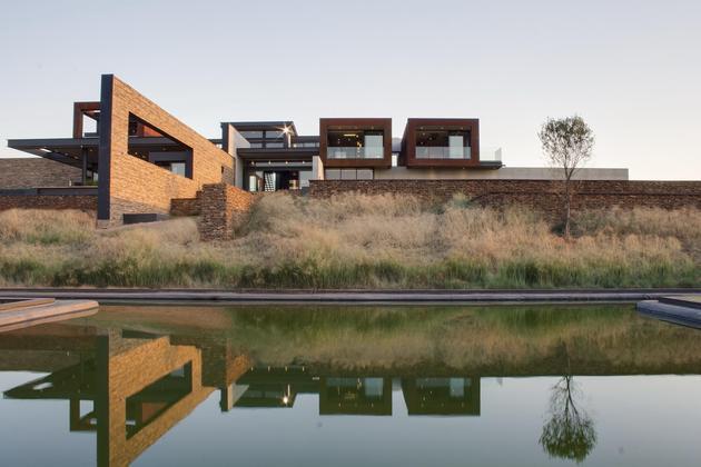 geometric-concrete-steel-home-stone-water-elements-7-back.jpg