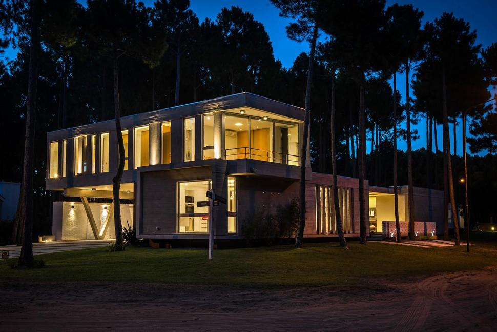 House built with focus on day and night lighting for Home daylight