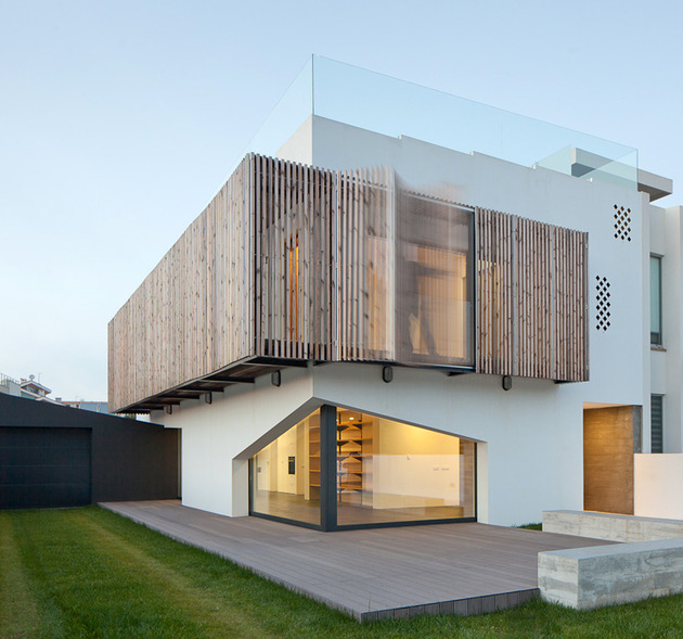 house-operable-wood-louvers-temperature-control-5-louvers.jpg
