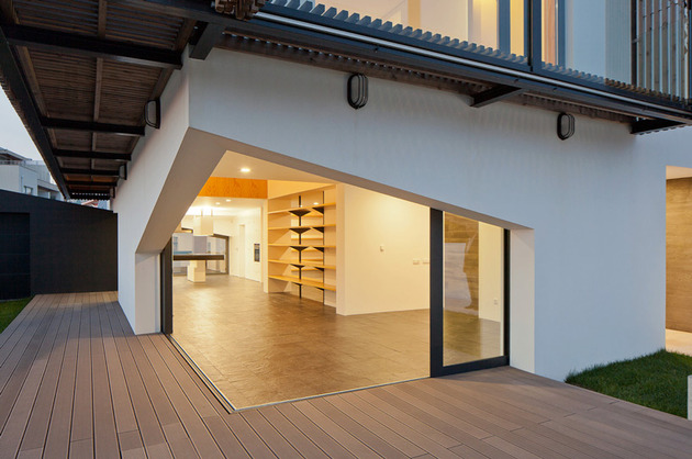 house-operable-wood-louvers-temperature-control-6-deck.jpg