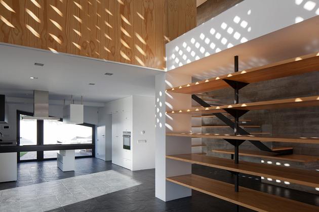 house-operable-wood-louvers-temperature-control-8-social.jpg