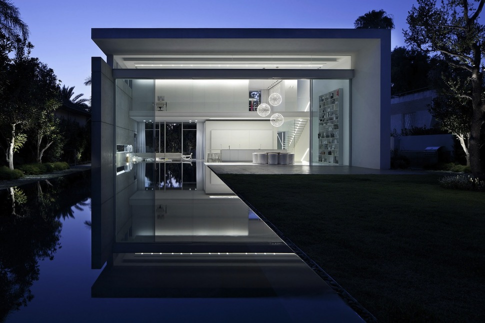 & Minimal House With Hangar-Style Rear Facade