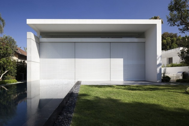 minimal-house-with-hangar-style-rear-facade-15-closed.jpg