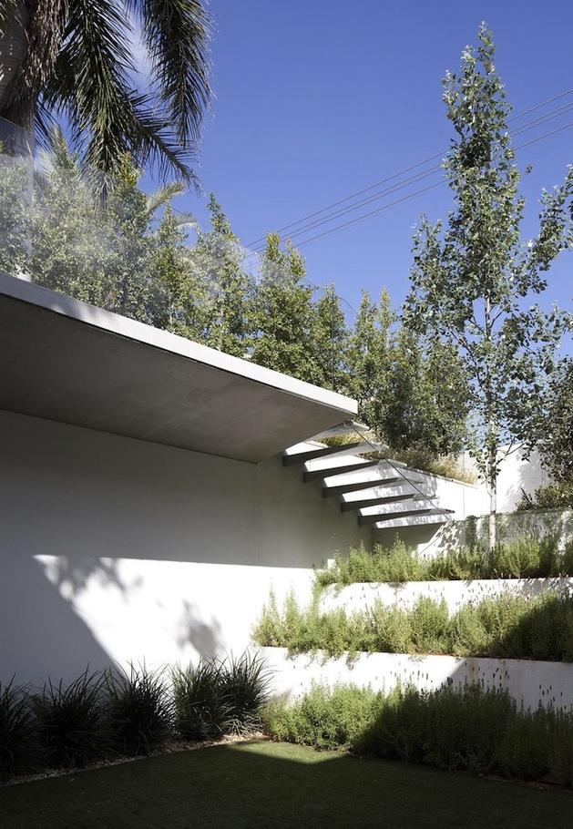 minimal-house-with-hangar-style-rear-facade-5-outdoor-steps.jpg