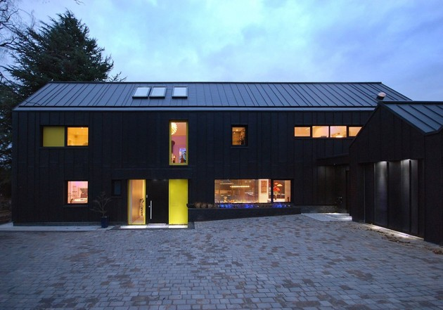 modern-house-filled -with-natural-light-14.jpg