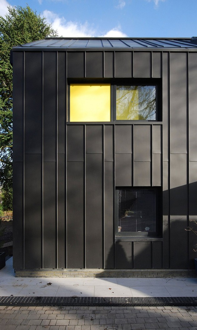 modern-house-filled -with-natural-light-4.jpg