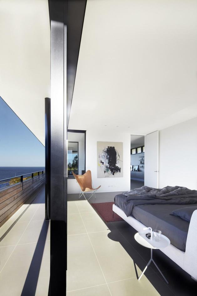 ocean-front-home-270-deg-views-elevated-perch-20-master-bed.jpg