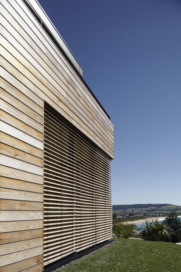 ocean-front-home-270-deg-views-elevated-perch-7-louvers.jpg