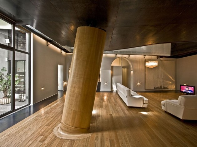 spectacular-loft-in-reconvereted-barn-in-rome-1.jpg