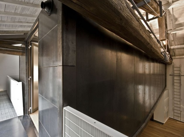 spectacular-loft-in-reconvereted-barn-in-rome-8.jpg
