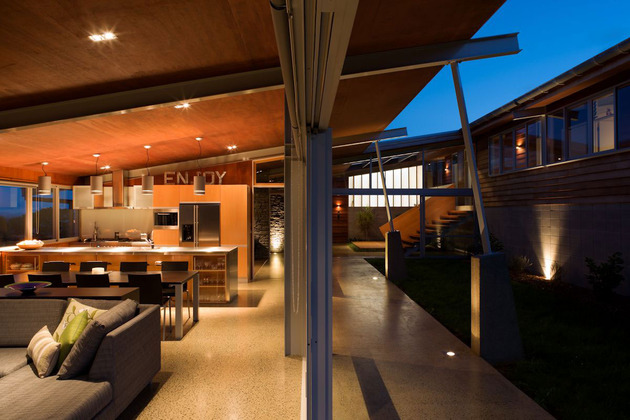 tiered-u-shaped-slope-home-exposed-steel-elements-11-social.jpg