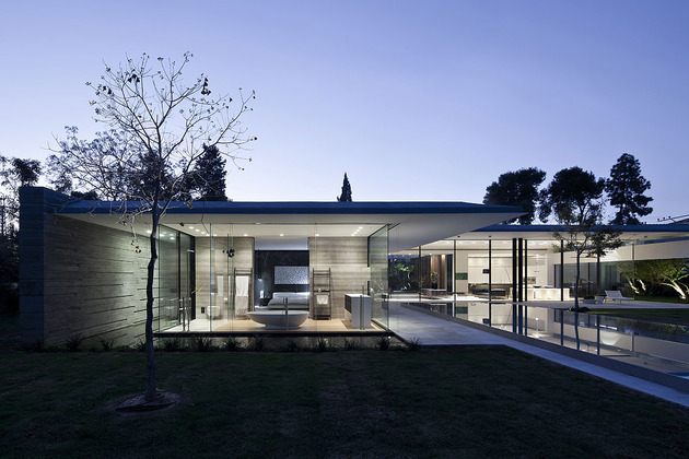 tranquil-glass-walled-house-with-innovative-furnishings-14-roof-overhang.jpg