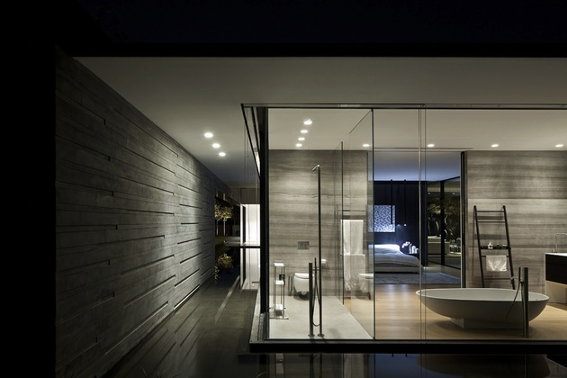tranquil-glass-walled-house-with-innovative-furnishings-15-water-surroundings.jpg