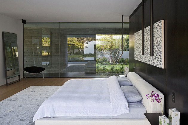 tranquil-glass-walled-house-with-innovative-furnishings-21-master-bedroom-side.jpg
