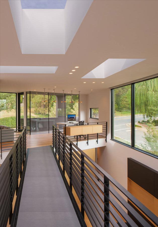 triangular-house-with-bridge-to-office-loft-overhead-8.jpg