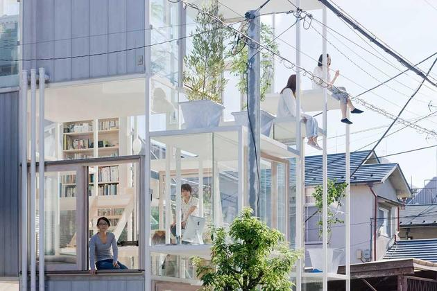 urban-glass-walled-house-with-platform-living-spaces-3-edge-sitting.jpg