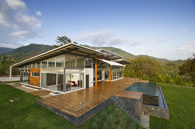 2-adjustable-eaves-create-thermal-comfort-glass-house-15-pool.jpg