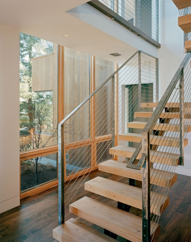 4200sqft-home-designed-around-cooking-views-16-stairs.jpg